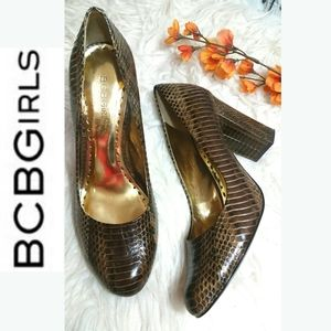 BCBGIRLS CalistaSnake pattern brown pumps 7.5